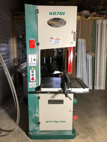 """Grizzly Industrial GO701 Extreme Series 19"""" Ultimate Band Saw"""