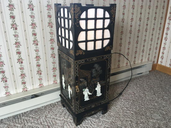 Oriental Lighted End Stand