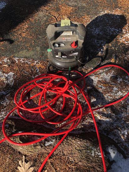 JobSmart 4 gal. 135 psi Compressor