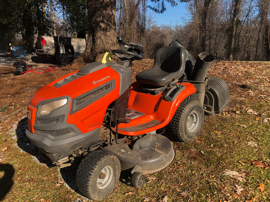 Husqvarna YTH21K46 Riding Mower 454 Hours