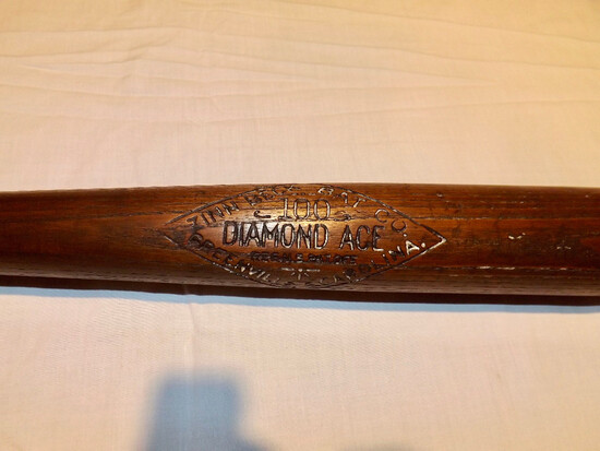 TY COBB DIAMOND ACE 100 BAT MFD. BY ZINN BECK BAT CO. OF  GREENVILLE S. C., 1915 TO 1925 ERA
