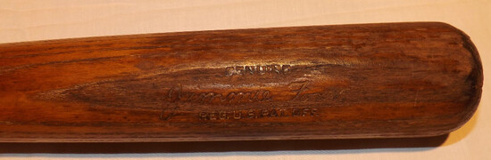 JIMMIE FOXX H&B LOUISVILLE SLUGGER 125 BAT, POWERIZED, GENUINE, REG. U. S. PATENT OFF., 1944 TO 1949