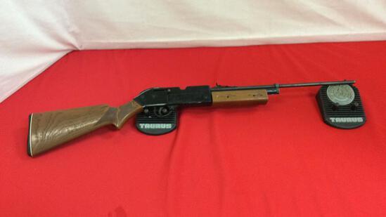 Crosman 760 Air Rifle