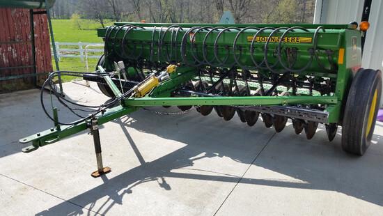 John Deere 450 grain drill with grass seeder, like new