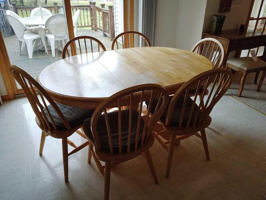 Dining Table W/ 6 Chairs