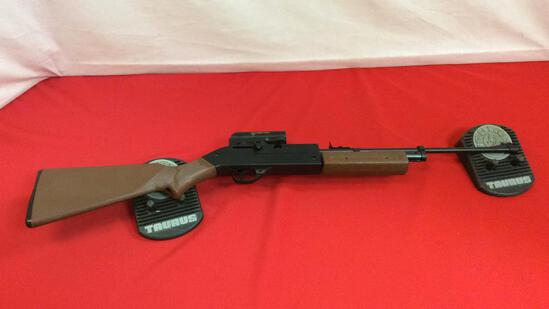 Crosman 760 Air Rifle