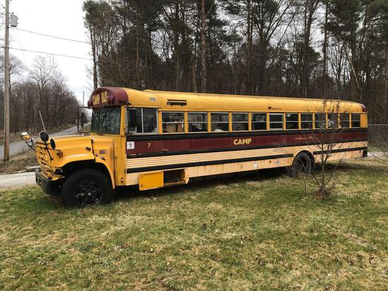 GMC 6000 (Thomas) camp bus