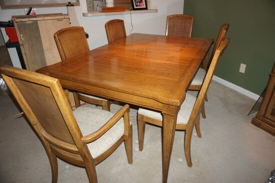 Oak dining table, 6 chairs, 2 extra leaves