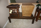 Coffee table - 2 stools