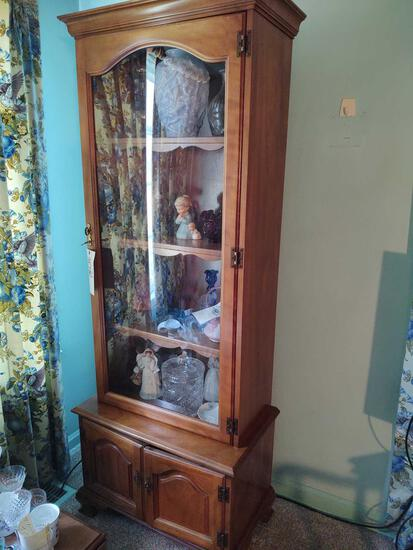 Display Cabinet with Lock & Key