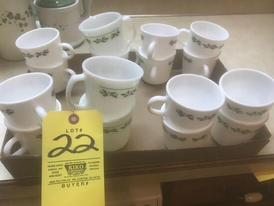 Corning mugs 16 pc. Variable sizes