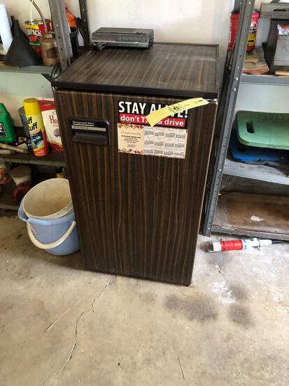Montgomery Ward mini fridge
