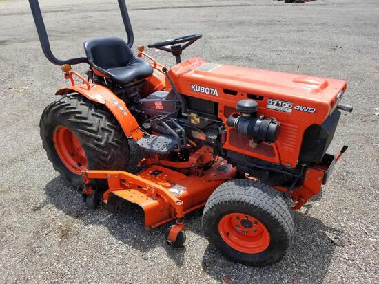Kubota B7100 hst, 4wd, 2,346 hrs, with 54 in deck and a 60 in spare deck