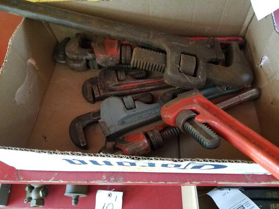 7 pipe wrenches