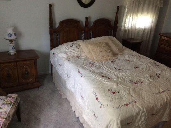 4-pc. Bedroom Suite