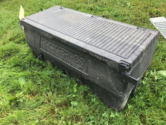 Plastic toolbox
