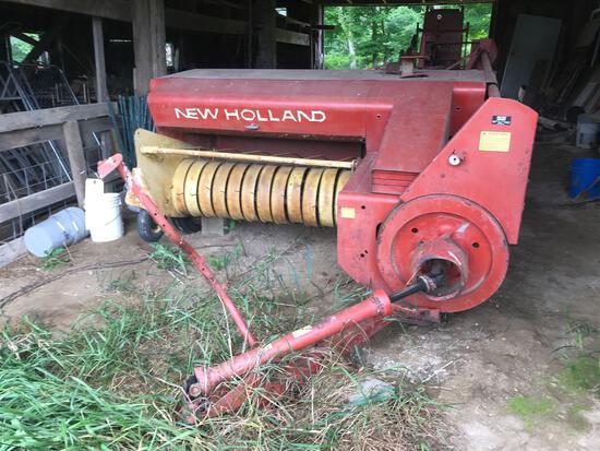 New holland 271 hayliner sq Baler