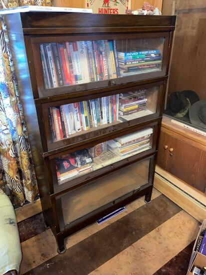 Globe Wernicke Four sections stack bookcase