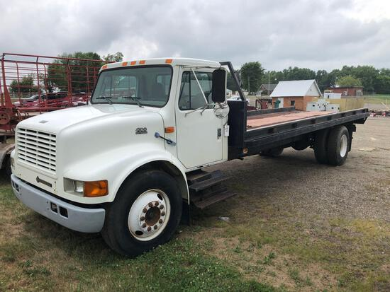 1999 international 4700 24' flatbed truck