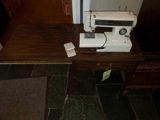 Kenmore Ultra Stitch 12 Sweing Machine