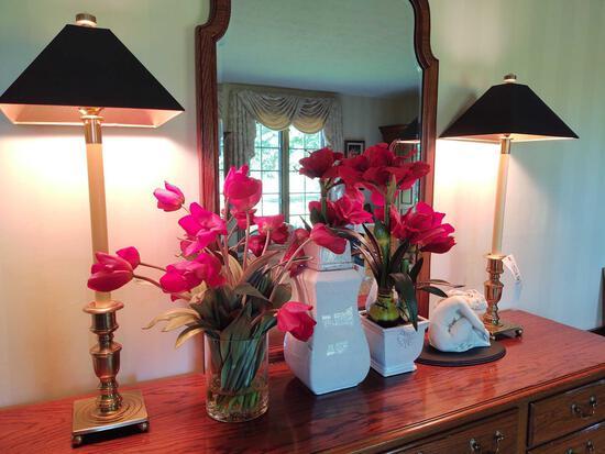 2 Lamps, Statue & Vases