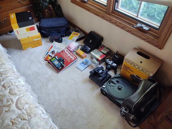 Photography Equipment inc. Kodak Carousel Projector & Slides