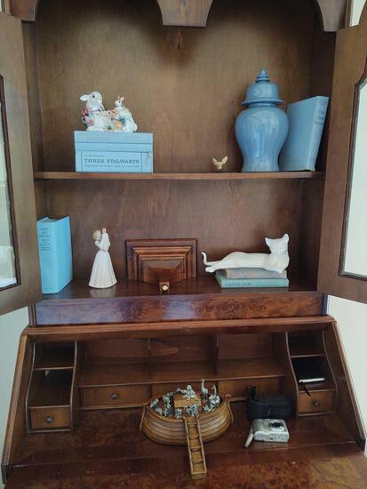 Figurines, Books, Urns, HP Photo smart Camera, Noah's Ark