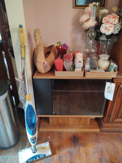 Display Cabinet, Balloon Pictures, Mop & Decor