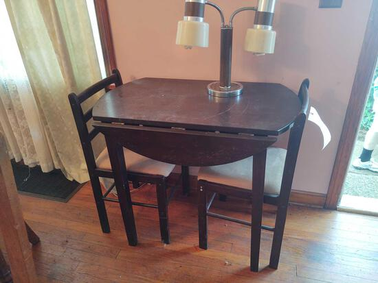 Drop Leaf Table w/2 Chairs and Lamp