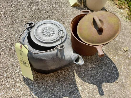 No. 8 Cast-Iron Kettle - Cast Pot with Lid