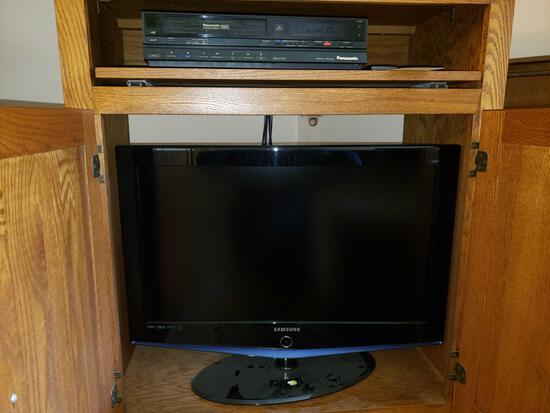 "Samsung 32"" LCD Flat Screen and Panasonic VHS"