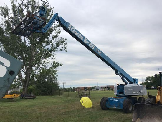 1996 Genie S-85 Telescopic Boom Lift