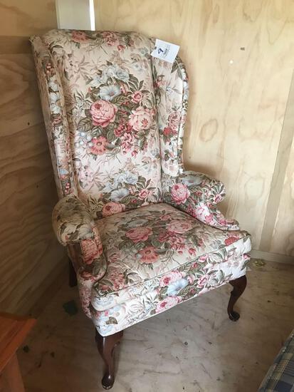 Upholstered Queen Anne leg chair