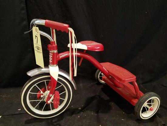 Radio Flyer retro red trike