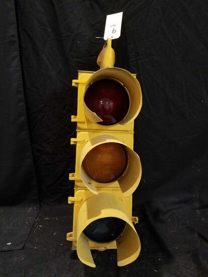 Eagle signal traffic light wired to plug
