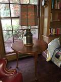 Triangular drop-leaf lamp table w/ lamp