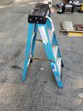 Werner 4-ft. fiberglass stepladder