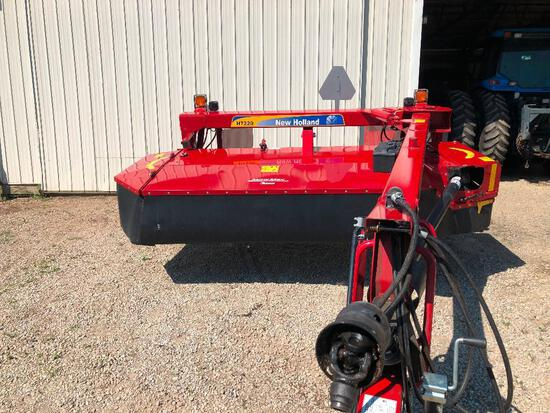 """One owner 2017 NH H7220 9' 2"""" discbine with rolls"""