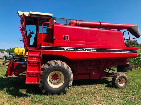 Clean 2nd owner Case intermatinate 1440 axial flow combine diesel