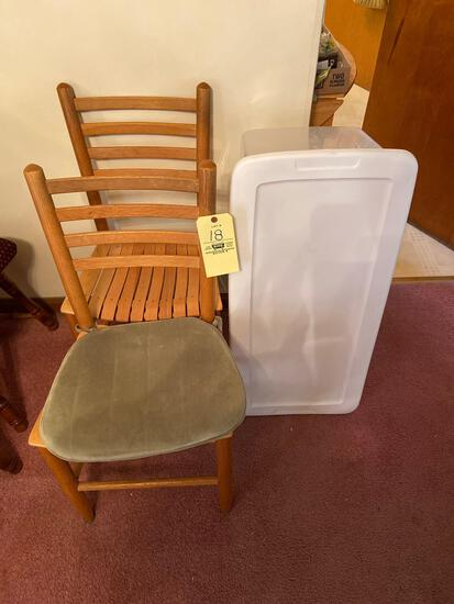 (2) Wood Chairs and Tote