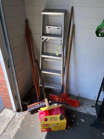 Yard Tools, Ladder