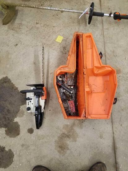 Stihl 020AVP chainsaw, case and chain