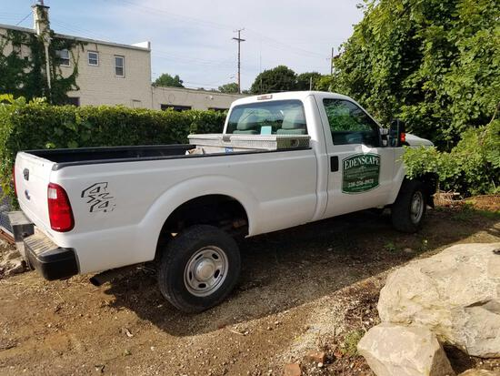 2015 Ford F350, 6.2L, gas, 1 ton, 4x4, with Boss V plow and bracket, 42,021 miles