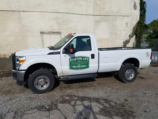 2015 Ford F250, gas, 6.2L, 3/4 ton, 4x4, Boss V plow and bracket, 44,104 miles