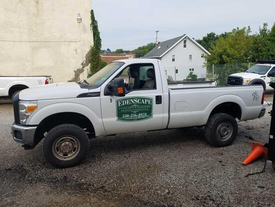 2014 Ford F250 6.2L, gas, 3/4 ton, 4x4, Boss V plow and bracket, 50,266 miles