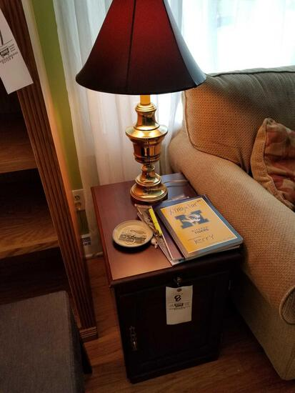 End stand, brass lamp