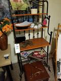 Baker's rack, decor, small table