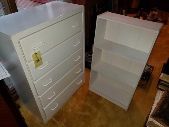 White Chest of Drawers, Shelf