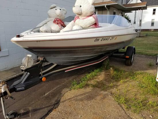 1990 Bayliner 2007CP 19 ft. 10 in. boat with trailer, force I/O motor