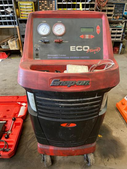 Snap-On Air Conditioning Service Center